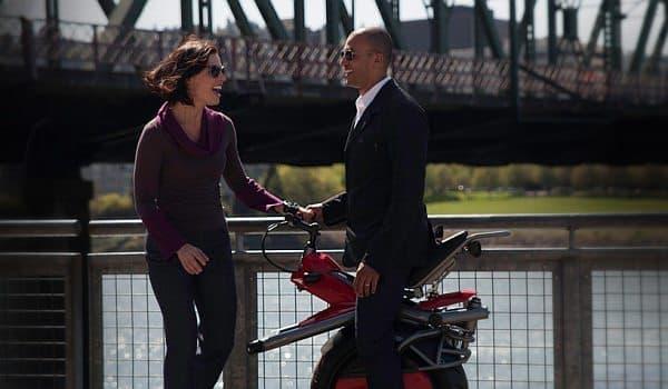 Ryno なら、バイクに乗っていることを意識せずに、歩行者と会話ができる