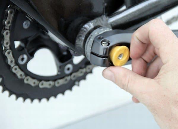 パンク修理やタイヤ交換をする際、