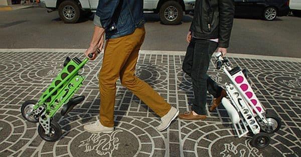 旅行用スーツケースのように転がして持ち運べるため、移動も楽