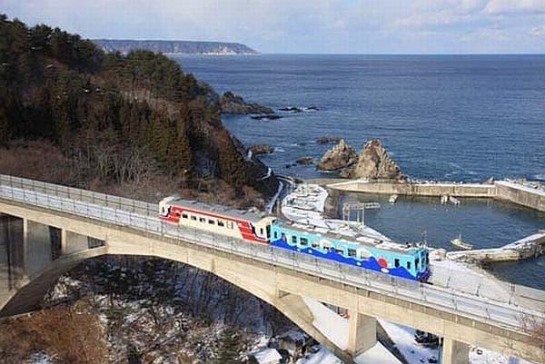 三陸鉄道の「こたつ列車」  じぇじぇ!