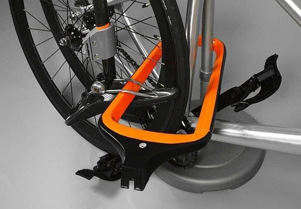「Transit Lock」による自転車ロックの例