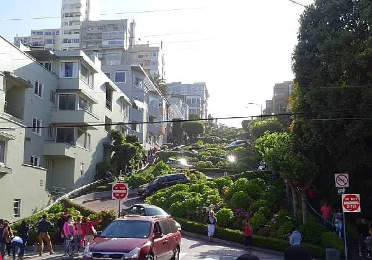 サンフランシスコの観光名所ロンバートストリート