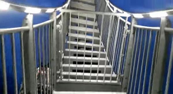 ループ部分には柵が設けられていて、立ち入り禁止になっている