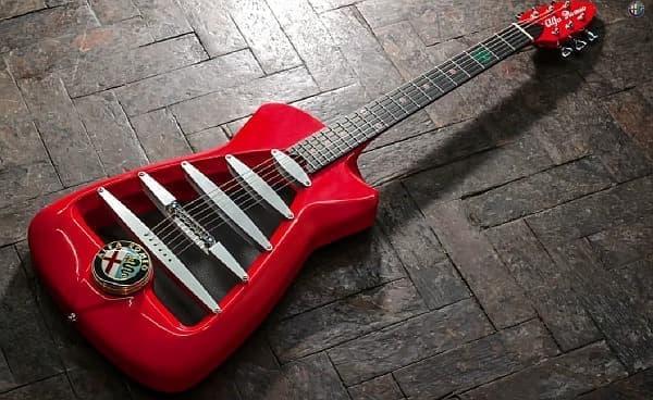 アルファ・ロメオの依頼で製作された「アルファ・ロメオ ギター」