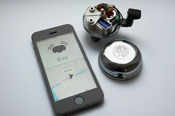 ベル内部には、小型の Bluetooth 発信器が取り付けられています