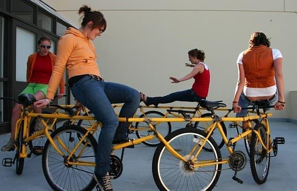 「回転したい!」という人間の本能に訴える自転車「Circular Bike」  ((C) Robert Wechsler)