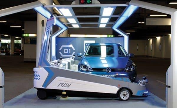 ロボットによるバレーパーキングサービス「PremiumPLUS Parking」