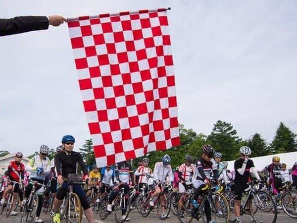 第4回大会には約1,800 名のサイクリストが参加しました