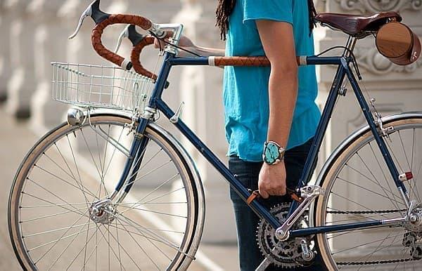 自転車の持ち運びを楽にする「Bicycle Frame Handle」 [えん乗り]
