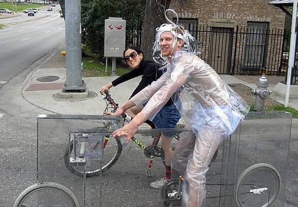 透明な自転車「Invisible Bike(見えない自転車)」
