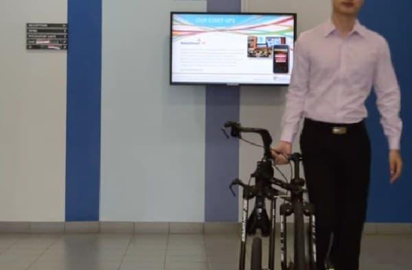 自転車を引いて歩く際に最適な形態  オフィス内の移動に便利