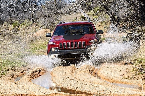 Jeep ならではの高い走破性をイメージ