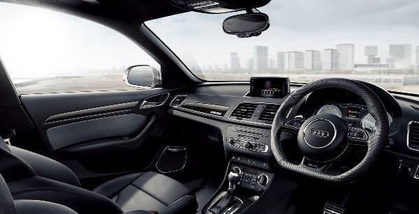 Audi RS Q3 インテリア