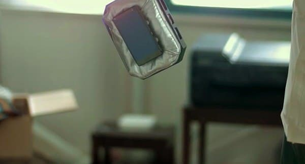 Smartphone Case N を落下させると