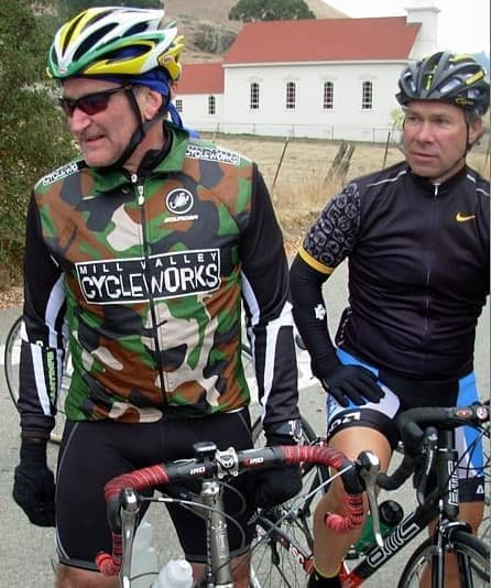 PEZ Cycling News のインタビューにこたえるロビンウィリアムズ氏  (出典:PEZ Cycling News)
