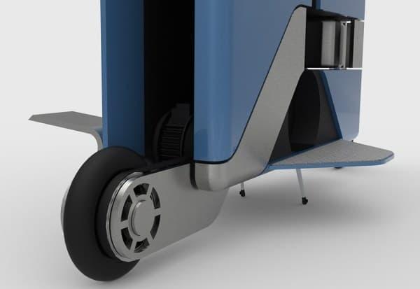 小さなスーツケースの中には、タイヤやステップなどが装備されているだけでなく