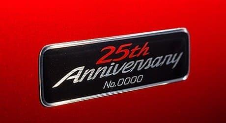 25周年記念エンブレム(シリアルナンバー付き)