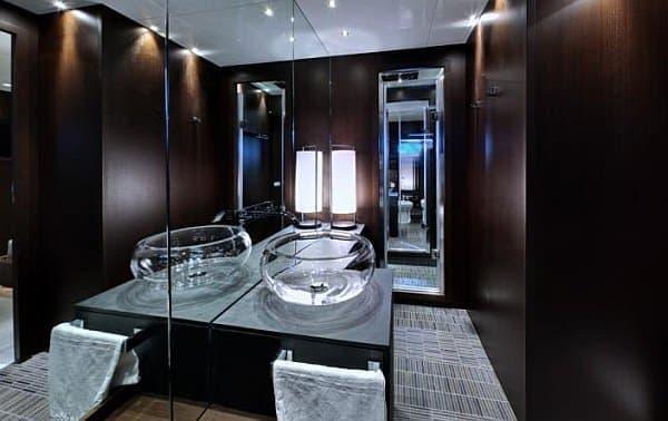 シャワールームも完備!