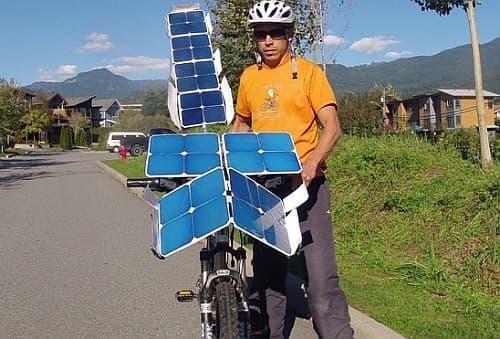 Terry Hope 氏が自作した、太陽電池で走る自転車「SolarCross」