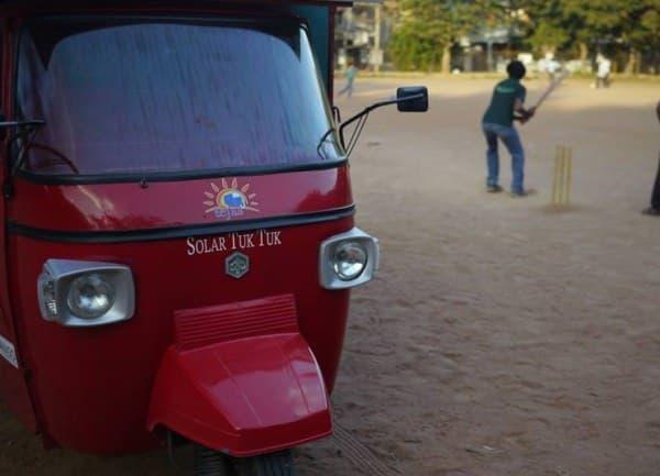 Naveen Rabelli さんが製作したソーラーカー