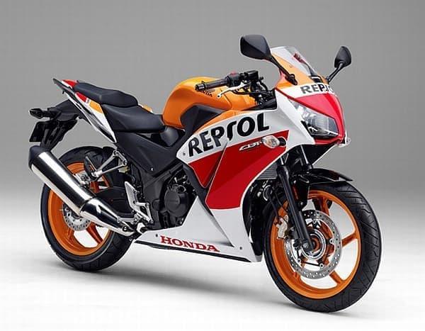Repsol Honda Team のカラーリングを施した「CBR250 <ABS> Special Edition」