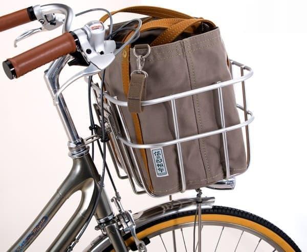オリジナルトートバッグを装備した  「プレミアム ミヤタ 125 アニバーサリー 一澤信三郎帆布モデル」