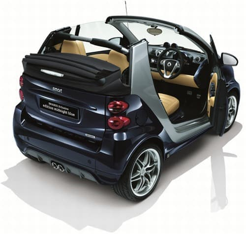カブリオレタイプの「smart fortwo cabrio BRABUS Xclusive edition midnight blue」