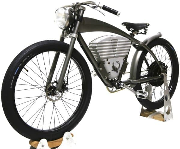 そのボードバイクを模した「ICON E-Flyer Electric Bike」  レトロバイクの雰囲気、でてます