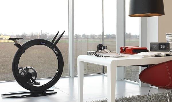 「Ciclotte」は、家庭に設置しても違和感のないエアロバイク