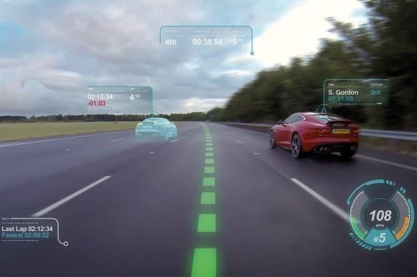 レーシングモードでは、理想的な走行ラインが表示される