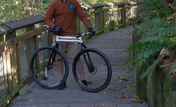 """「bicymple」は極限まで""""シンプル""""に仕上げた自転車  ホイールベースが短くなっています"""