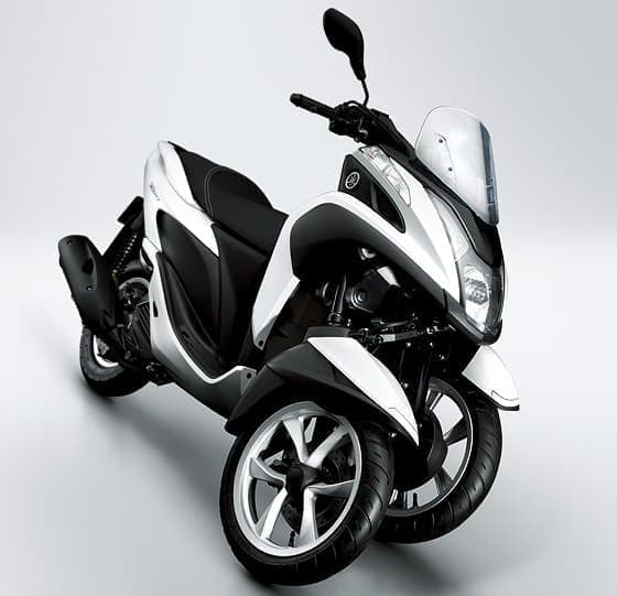 車両を傾けてカーブできる3輪バイク「TRICITY MW125」