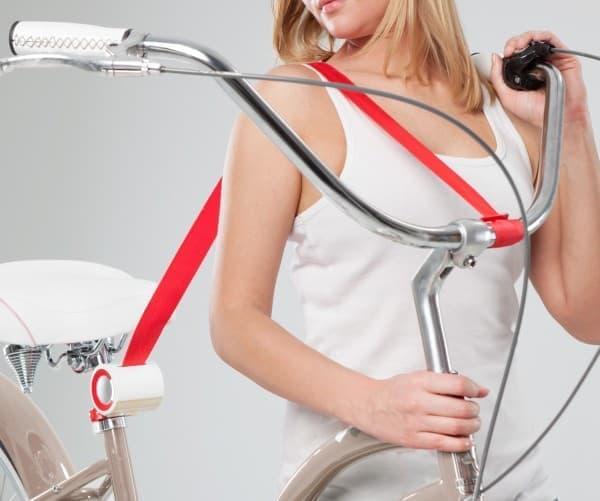 自転車をショルダーバッグのように運べる「BIKE Lift & Carry」