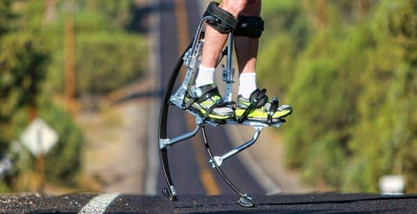 Alpine Innovations が販売する「Air-Trekker Jumping Stilts」