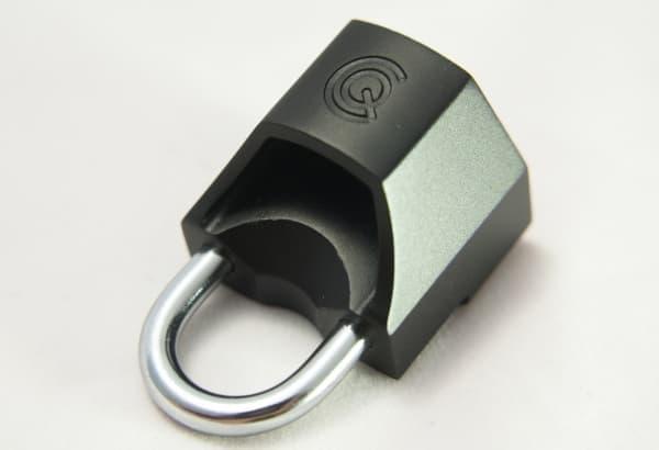 クイックリリースをロックする「Quick Caps」