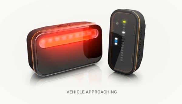 ビジュアル表示例:自動車がより接近してきた場合