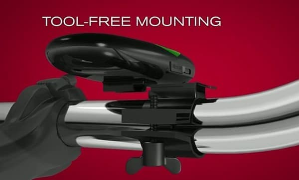 「CycleNav」は、ツール無しでも自転車のハンドルに取り付け可能!