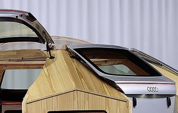 Audi TT クーペのリアハッチは、入り口のドアとして採用された