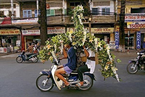 アジアで活躍する日本のバイク((C)Hans Kemp 氏)