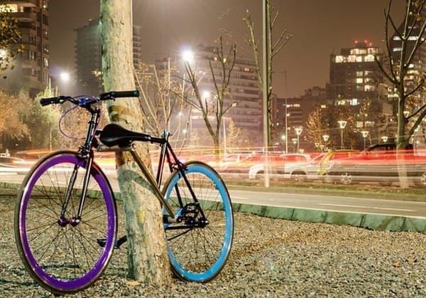 「Yerka」は盗まれないだけでなく、デザインが美しい自転車  重い自転車ロックの運搬からも解放してくれる