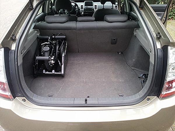 自動車のトランクに格納できるだけでなく、