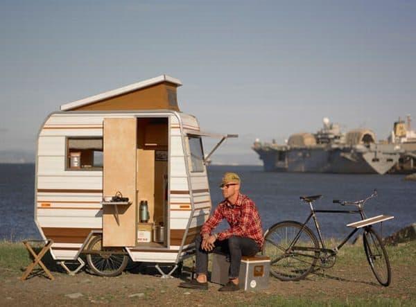 Kevin Cyr 氏による別の自転車キャンピングカー