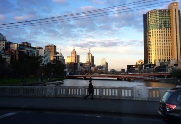 夕暮時の街並みを眺めながら…
