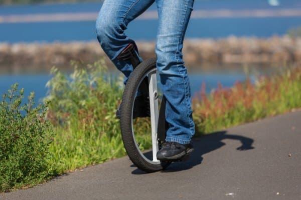 """""""誰でも簡単に乗れる一輪車""""を目指す「Lunicycleh」"""