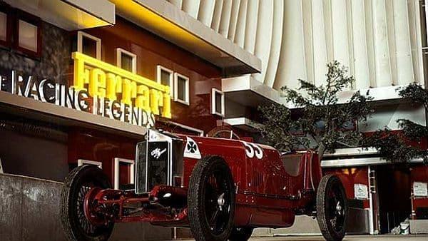クラシックな車体の展示が楽しめる「The Racing Legends」