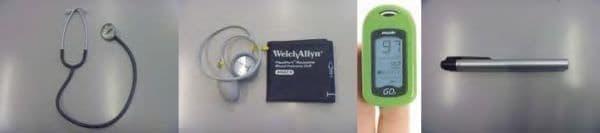 搭載される医師支援用具の一部  左から、聴診器、血圧計、パルスオキシメーター、ペンライト