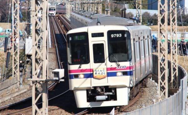 臨時列車「高尾山冬そば号」(2013年の様子)