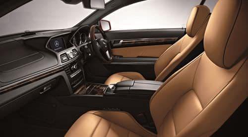 「E 250 Coupe Limited(ファイアオパール)」インテリア