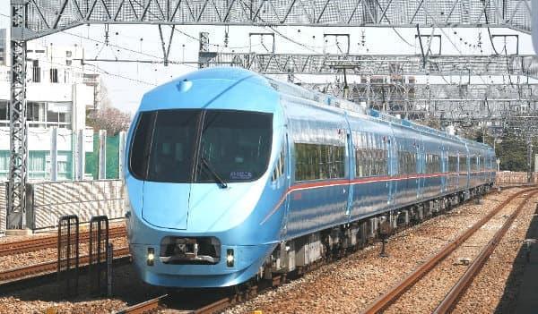 青いロマンスカー「MSE 60000形」(出典:小田急電鉄)
