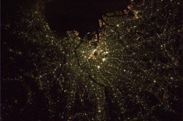 東京の夜景  (若田光一さんのTwitterアカウントから)